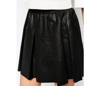 Skater Leather Skirt close view