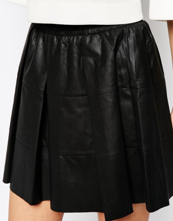 Refined Discovery Skater Leather Skirt close view